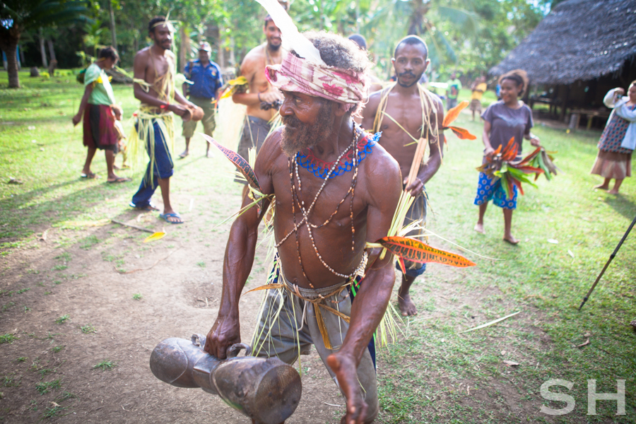 Papua New Guinea, Singsing, traditional, dancing, children
